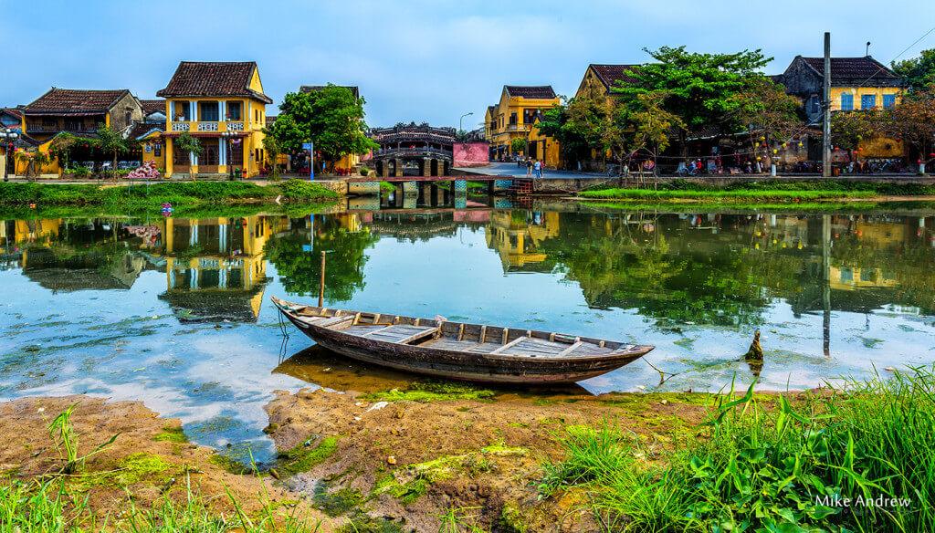Fishing-Boat-Hoi-An-Vietnam